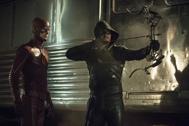Arrow-e-The-Flash-crossover-20Nov2014-24