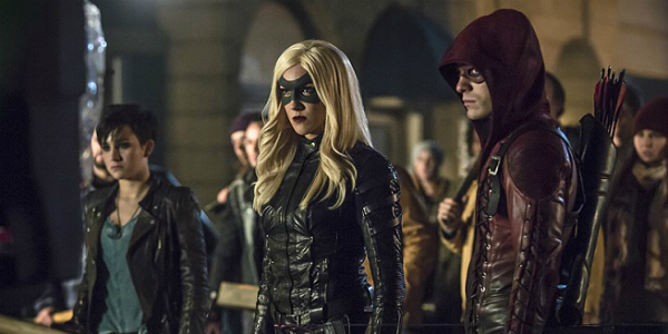 """Arrow -- """"Uprising"""" -- Image AR312B_0194b -- Pictured (L-R): Bex Taylor-Klaus as Sin, Katie Cassidy as Black Canary and Colton Haynes as Arsenal -- Photo: Katie Yu/The CW -- © 2015 The CW Network, LLC. All Rights Reserved."""