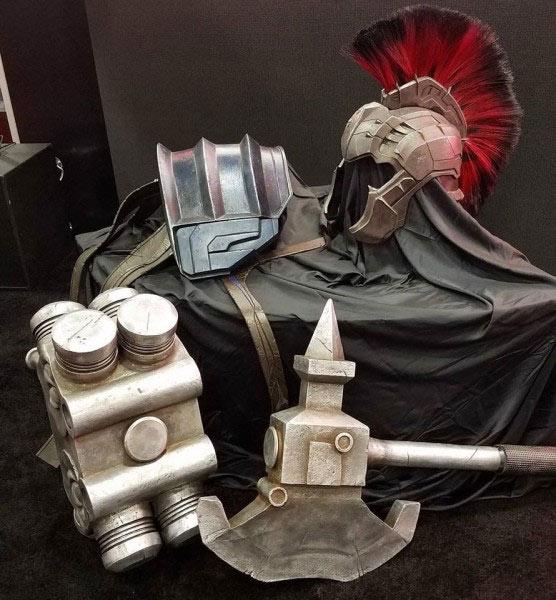Peças da armadura de gladiador do Hulk em Thor: Ragnarok